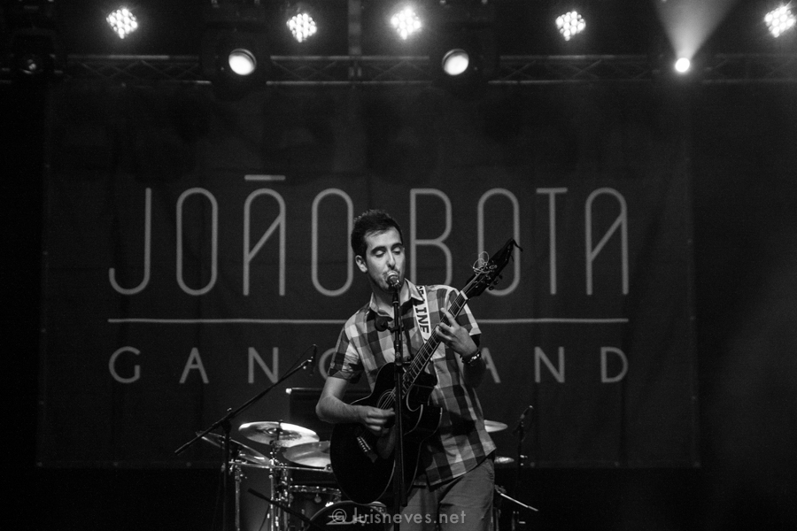 AGITAGUEDA2013-15